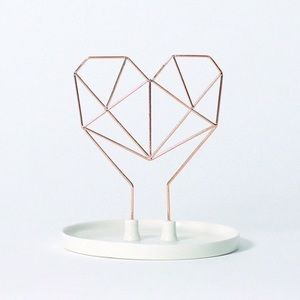 IMM LIVING Coxet Wire Heart Jewelry Holder